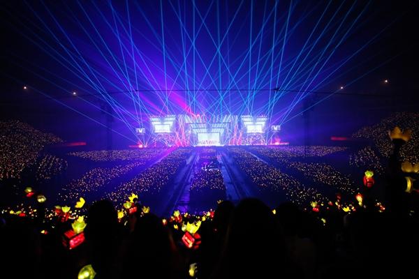 <p>BIGBANG</p>