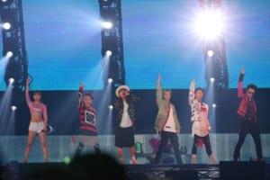「AAA DOME TOUR 2017-WAY OF GLORY-」