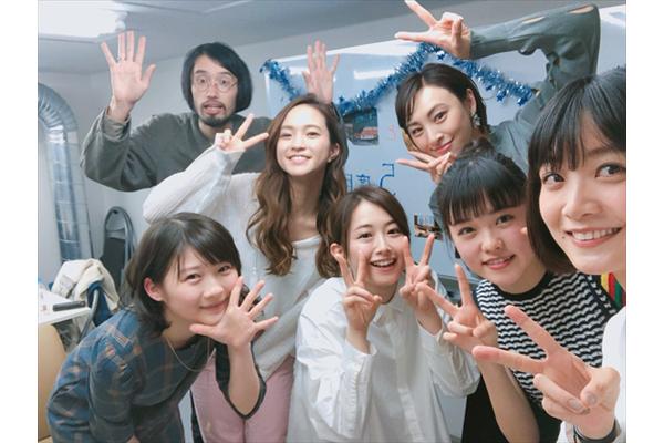 深川麻衣、伊藤沙莉らが女子会トークで大盛り上がり!