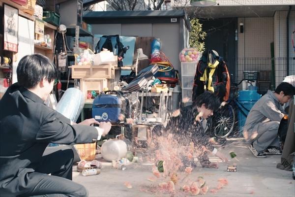 吉村界人が体を張ってやってみた!dTV「配信ボーイ」予告編で実験動画に挑戦