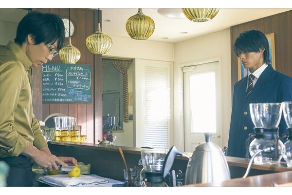 『honey』平野紫耀×高橋優の緊張感あふれるシーン写真公開