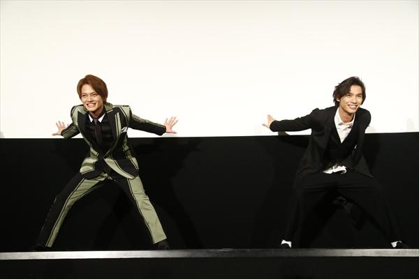 """「踊っちゃいますか!」福士蒼汰、中山優馬、古川雄輝らが""""曇天ダンス""""を生披露!"""