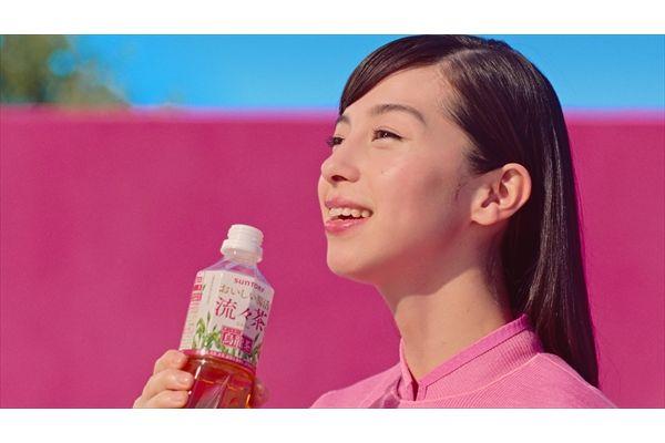 中条あやみが新CMで腸活体操を披露!共演の横澤夏子「痩せた気がする」