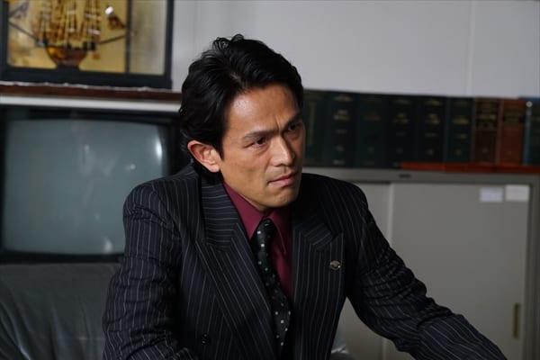 江口洋介、初の極道役に手応え「新たな名刺代わりの一本」『孤狼の血』新場面写真解禁