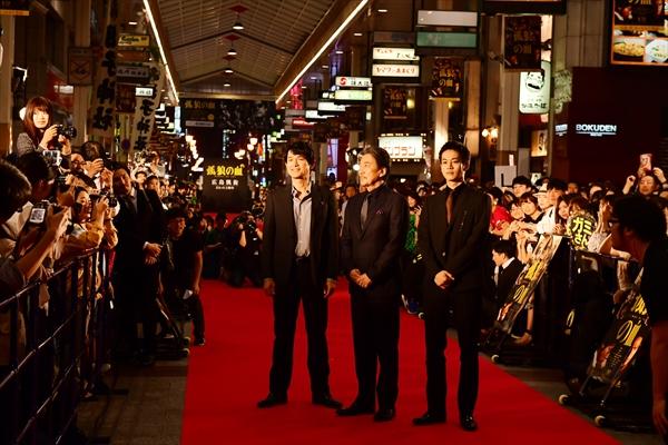 『孤狼の血』役所広司、松坂桃李、江口洋介らがロケ地・広島に凱旋