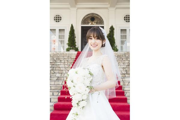 泉里香がウエディングドレス姿を披露!「ミス・シャーロック」第5話5・25配信