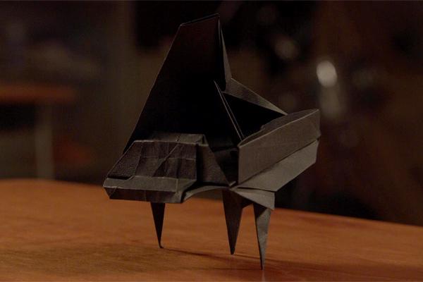 """片桐はいりが""""グランドピアノ""""の折り紙に挑戦!Eテレ『オリガミの魔女』7・28放送"""