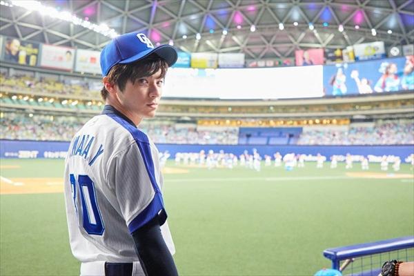山田裕貴が始球式に登板!元中日選手の父と同じ背番号30でマウンドへ