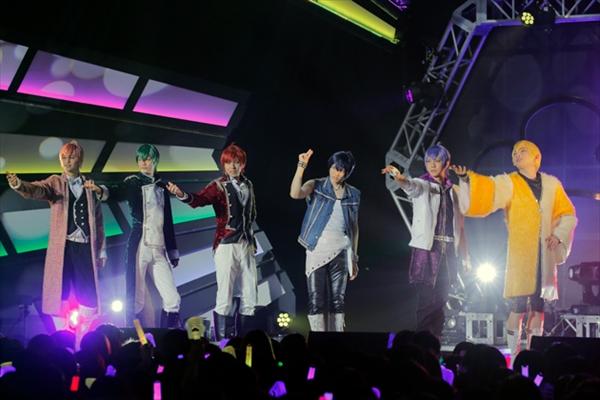 F6 1st LIVEツアー「Satisfaction」開幕