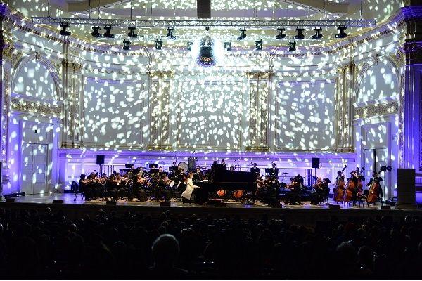 世界を魅了するYOSHIKI、1年8か月ぶりに日本でクラシックコンサートを開催