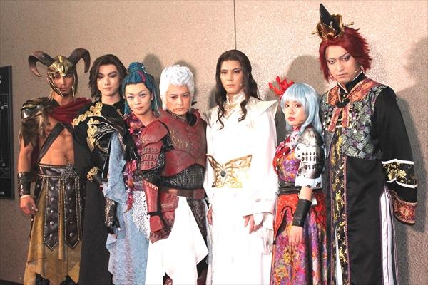佐藤アツヒロ「ゲームの世界観を大事に演出した」舞台「SaGa THE STAGE~七英雄の帰還~」