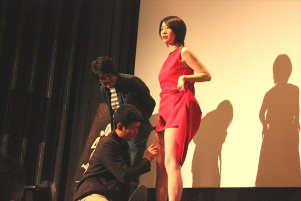 女優陣に調教総仕上げ!観客の前で「スカートめくって」『私の奴隷になりなさい』初日