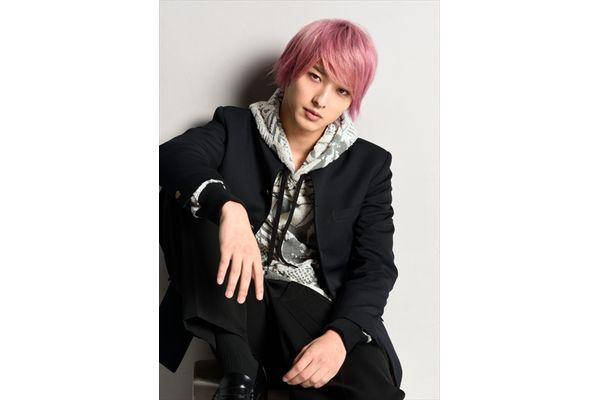 横浜流星がドラマ『初めて恋をした日に読む話』でピンク髪に!安達祐実ら追加出演者も発表