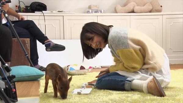 <p>YouTuber・広瀬すずが年賀状作りに挑戦</p>