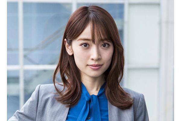 泉里香が敏腕記者役で竹内結子主演『QUEEN』出演決定