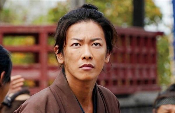 佐藤健が決意の表情!小松菜奈は優美な着物姿『サムライマラソン』場面写真解禁