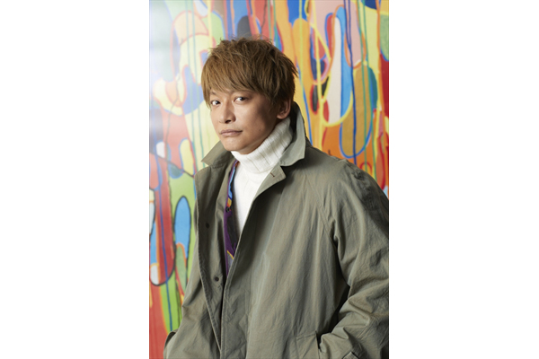 香取慎吾「僕は僕の想像を遥かに超えていく」常識破りな日本初個展!