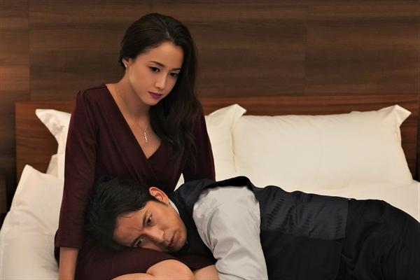 沢尻エリカが『白い巨塔』でV6・岡田准一の愛人役