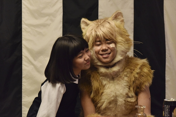 """猫の日記念!北山宏光""""にゃんかわ頬ずり""""カット初解禁!「トラさん」公開中"""
