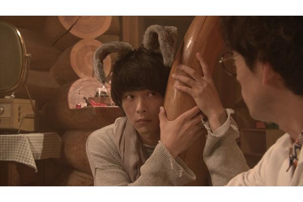 中村倫也がモフモフの耳&しっぽがキュートなうさぎに!『オリガミの魔女』2・23放送