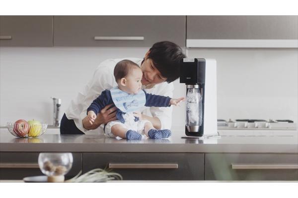 """アンジャッシュ・渡部建、赤ちゃんと共演で""""パパ""""の顔に"""