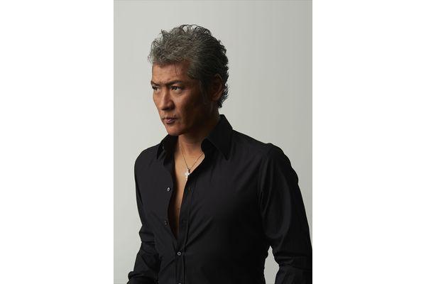 吉川晃司のデビュー35周年特集 WOWOWで放送