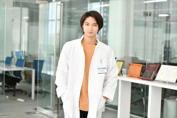磯村勇斗が若き科学者に!時任三郎の息子役で『インハンド』第9話にゲスト出演