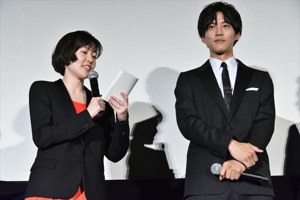 松坂桃李、シム・ウンギョンの「今日はナウい」に照れ笑い「大変光栄です」