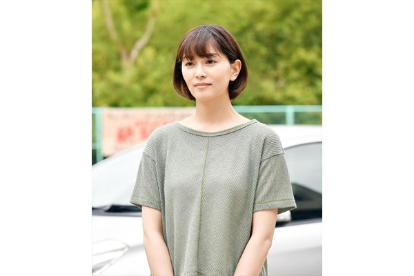 石橋杏奈が高家(濱田岳)の憧れの幼なじみ役で『インハンド』第10話から登場