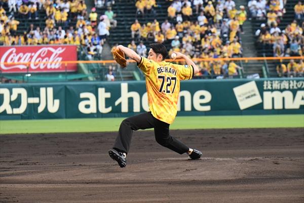 間宮祥太朗、憧れの甲子園で139キロ!「漫才よりも緊張」