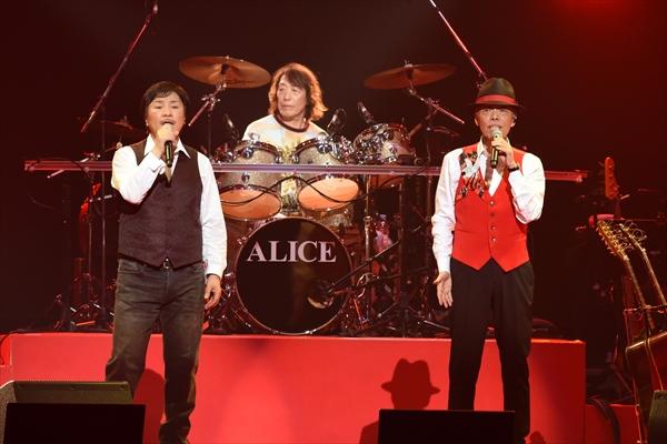 アリス「3人合わせて210歳記念ライブ」BSスカパー!で10・26生中継