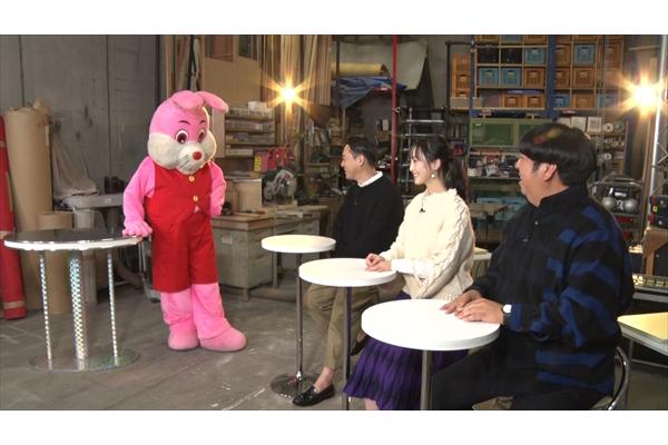 バナナマン&松井玲奈が女装して働く男たちにくぎ付け!『ドライブスリー』でクイズ企画