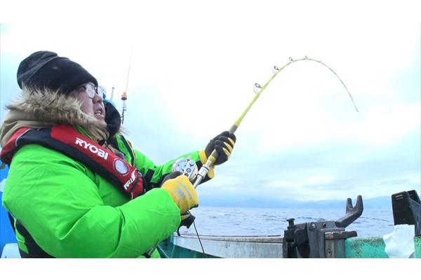 タイムマシーン3号・関太がデカイ深海魚釣りに挑む!『それって!?実際どうなの課』1・22放送