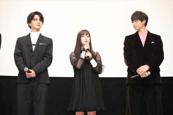 映画「シグナル100」初日舞台あいさつ