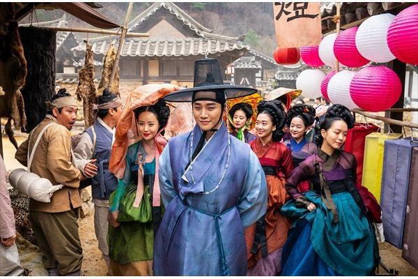 2PMジュノ主演映画『色男ホ・セク』場面写真一挙公開