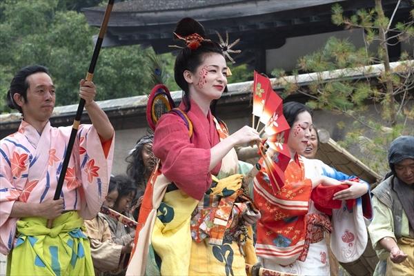 『麒麟がくる』旅芸人・伊呂波太夫役の尾野真千子が初登場「この時代劇に新しい風を」