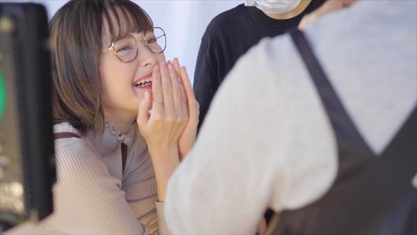 玉城ティナ出演「パルティ カラーリングミルク」新CMメイキング