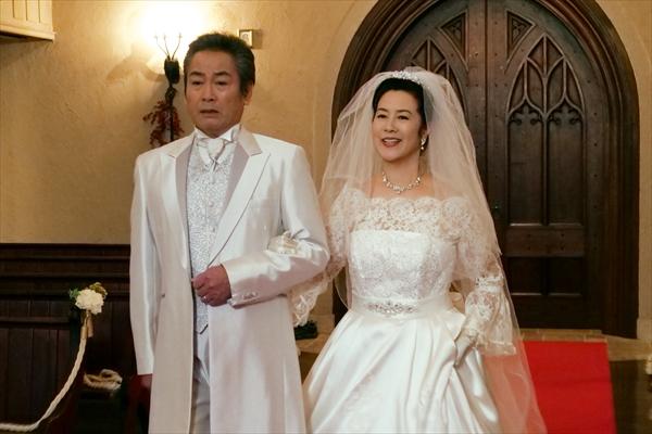 """名取裕子と宅麻伸がウエディングドレス&タキシードで""""真珠婚式"""""""