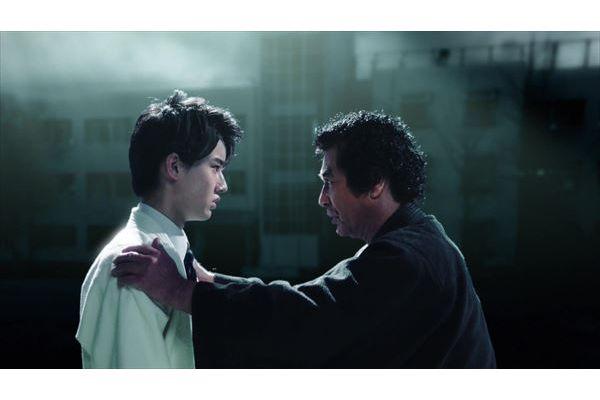 藤岡弘、と息子・真威人がセガ60周年のPR動画で親子初共演