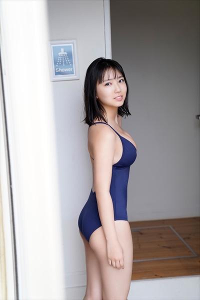 沢口愛華©LUCKMAN/BOMB