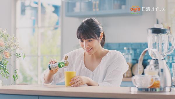 広瀬アリスがCMで歌声を初披露!「日清MCTオイル」新CMが8・7よりオンエア