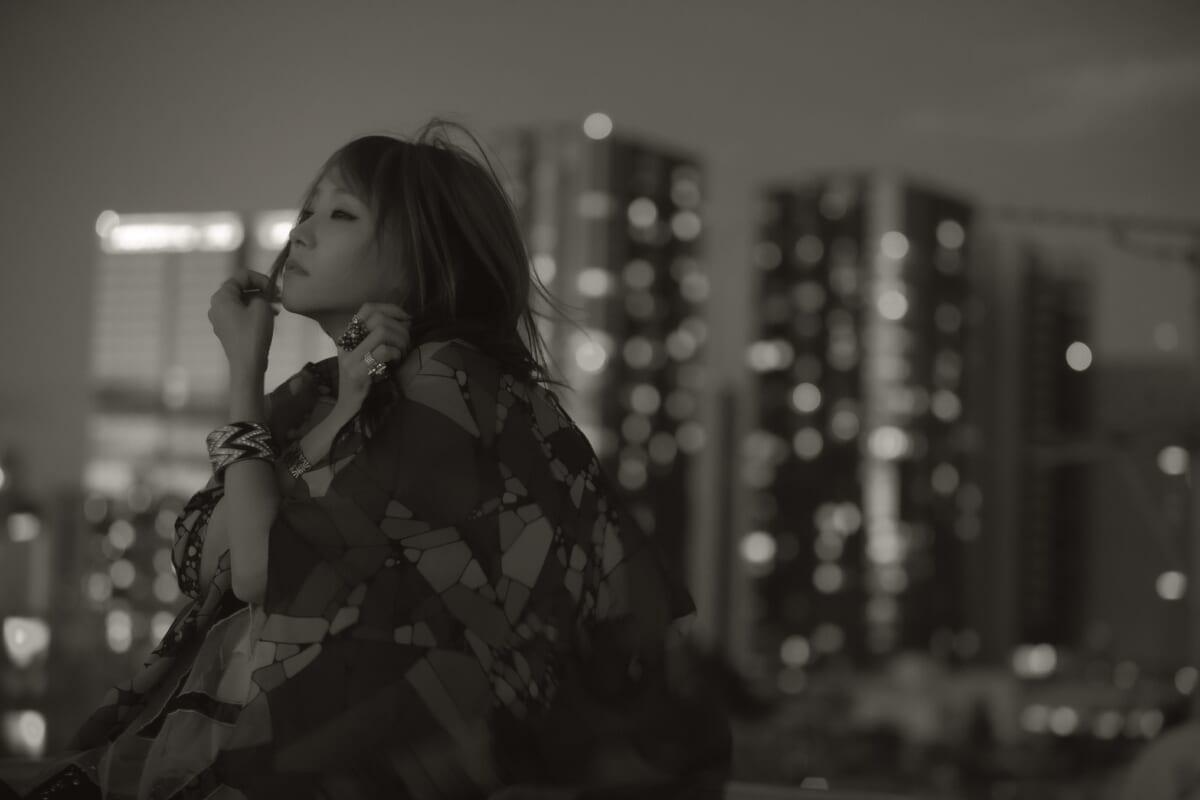 LiSA初のドラマ主題歌「愛錠」リリックビデオがYouTubeでプレミア公開