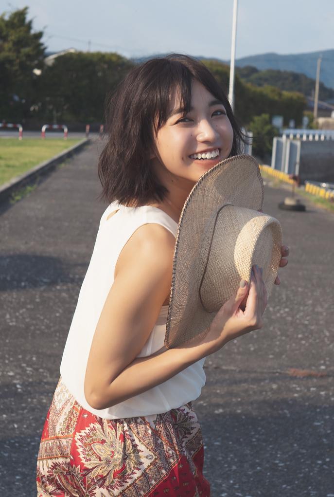 坂ノ上茜の1st写真集『あかねいろ』