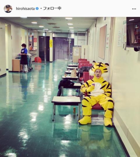 ジャングルポケット・太田博久公式Instagram(hirohisaota)より