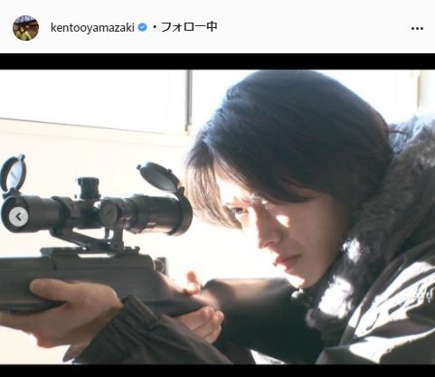 山﨑賢人公式Instagram(kentooyamazaki)より