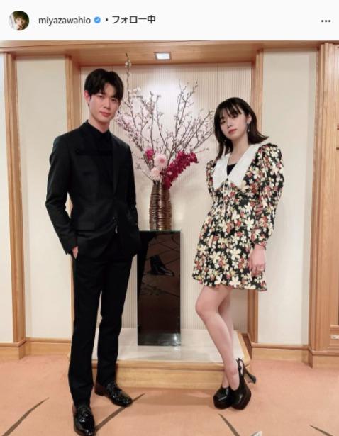 宮沢氷魚公式Instagram(miyazawahio)より