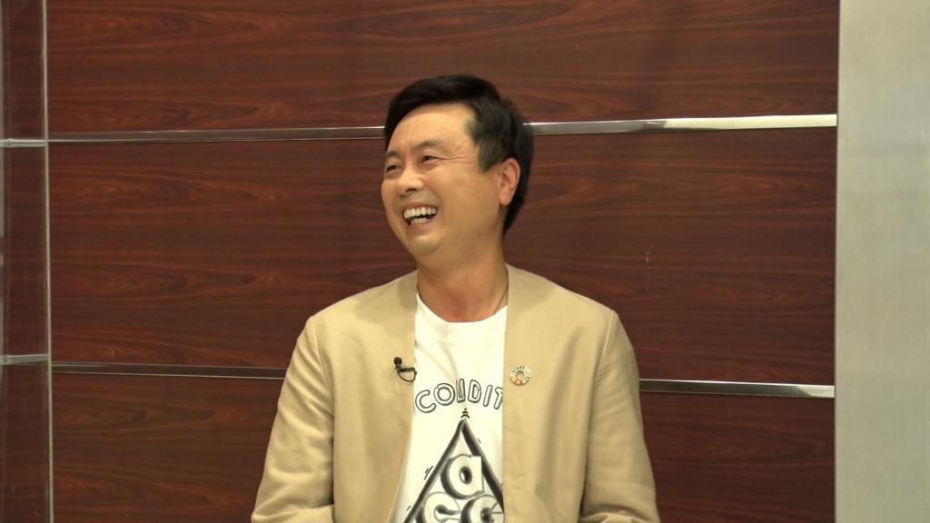 「キングオブコメント2021~ファイナリストからファイナリストへの質問」次長課長・河本準一