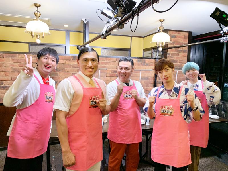 左から Mr.シャチホコ、春日俊彰(オードリー)、山崎弘也(アンタッチャブル)、河合郁人(A.B.C-Z)、小野かこ