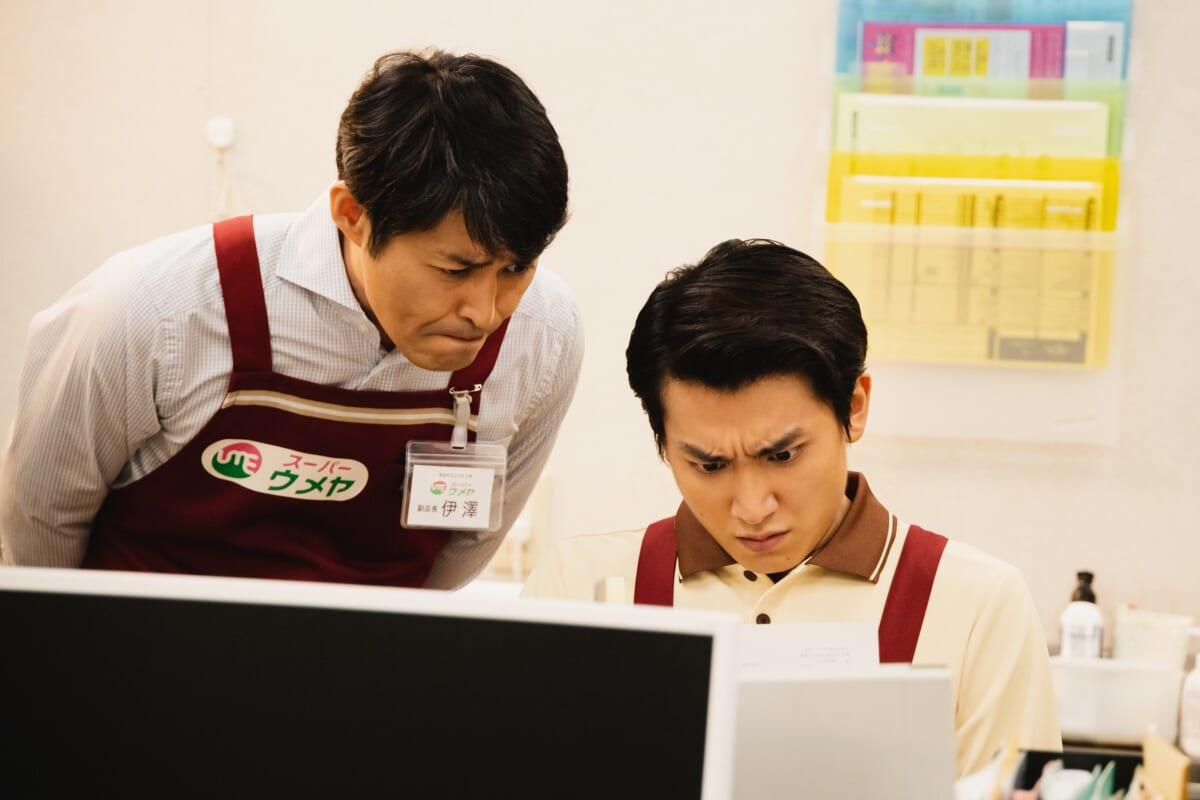 ©2021 つぶやきシロ―・ホリプロ・小学館/闘う製作委員会