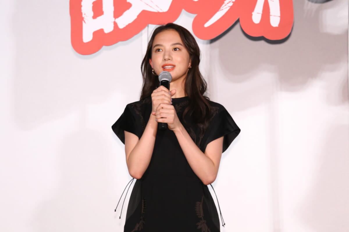 清原果耶©2021映画『護られなかった者たちへ』製作委員会